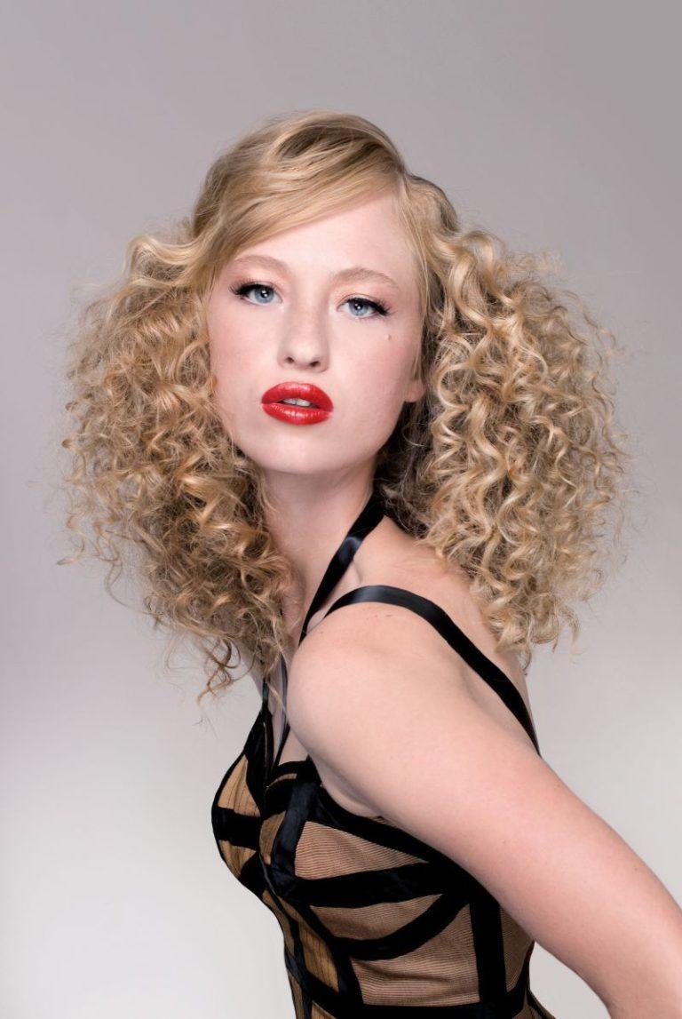 Wie lassen sich Haare gut lockig bekommen?